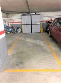 Plaza de garaje en set camins